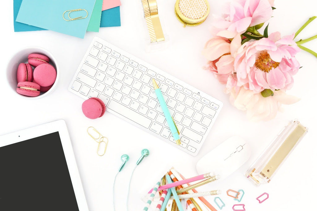 My 4-step process to plan a marketing strategy that revolves around your content, building the know, like, trust factor, and having a 'holistic' view! -- The Quirky Pineapple Studio
