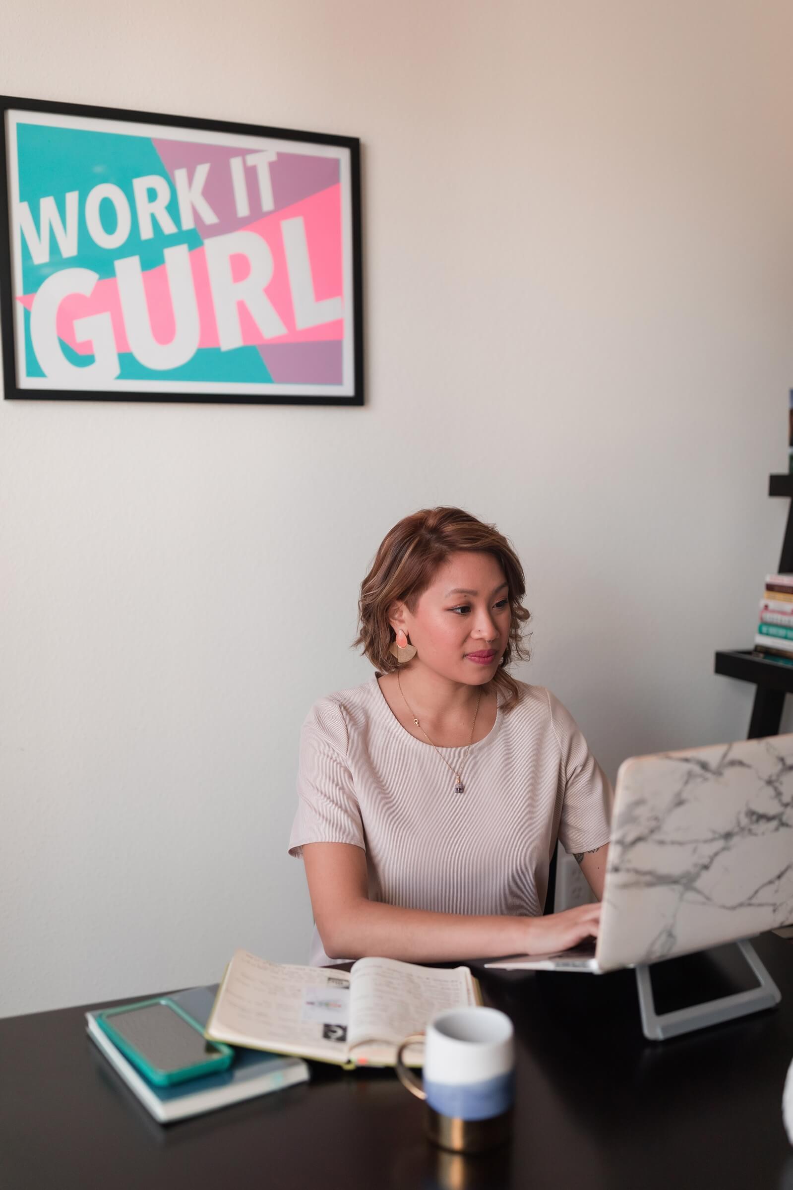 copywriter in Madrid, copywriter writing websites, bilingual copywriter